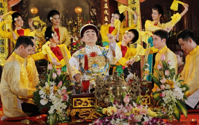 nguoi xuat gia co duoc phep hau dong tho lay than thanh hay khong 60981e45b8e86